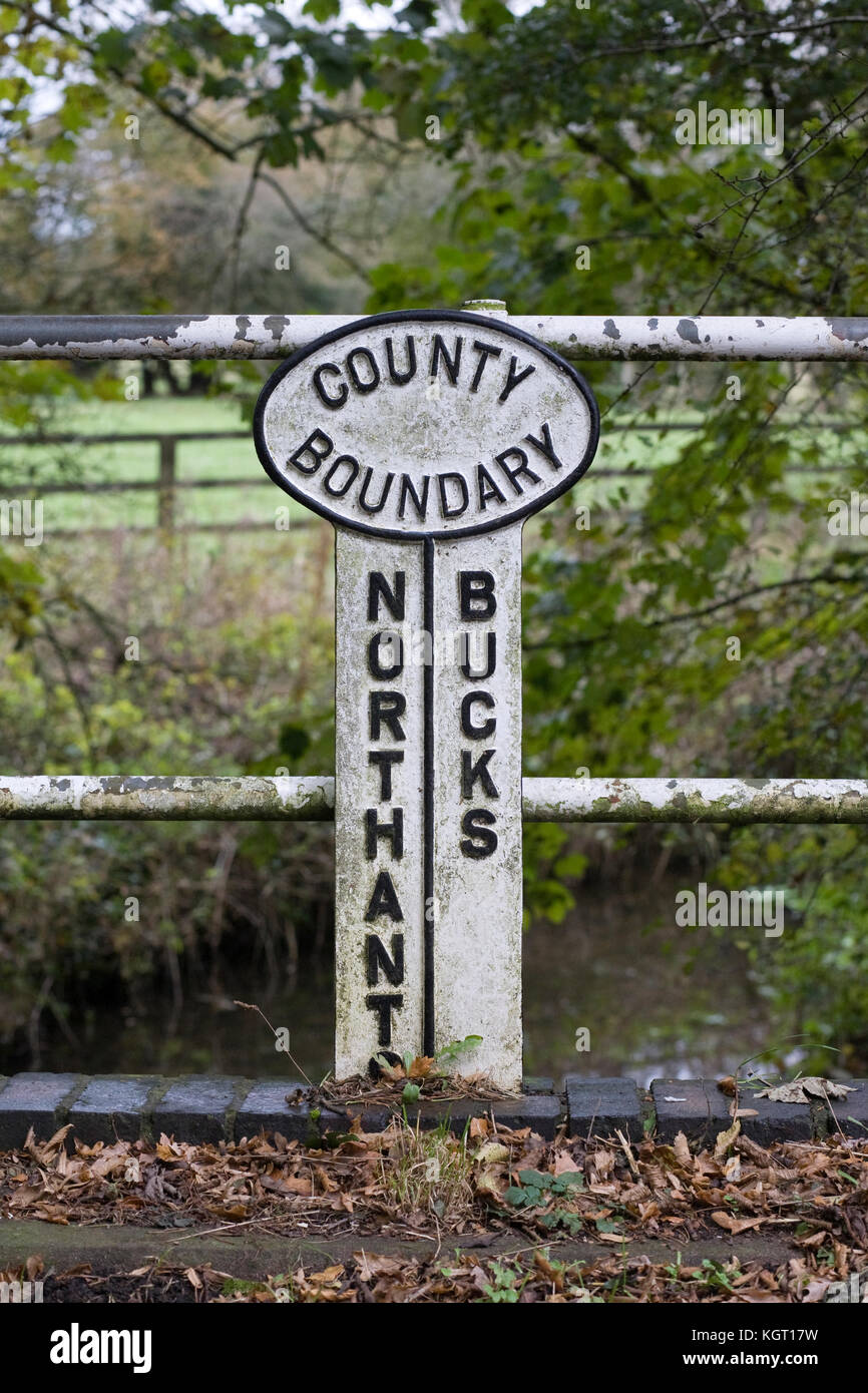 A County boundary sign on the old Northamptonshire/Buckinghamshire border. - Stock Image