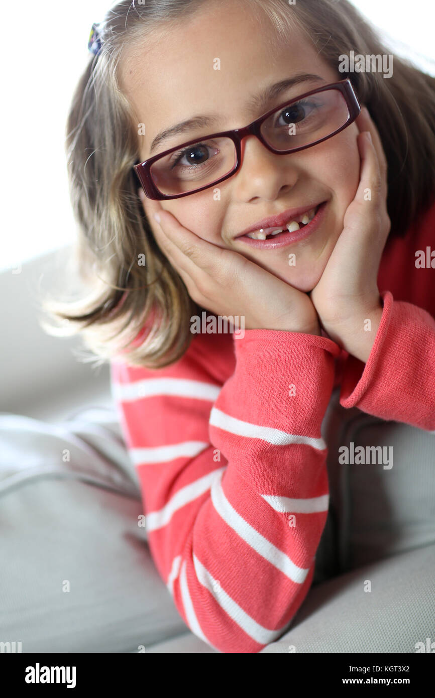 1b580ed46f Portrait of cute little girl wearing eyeglasses Stock Photo ...