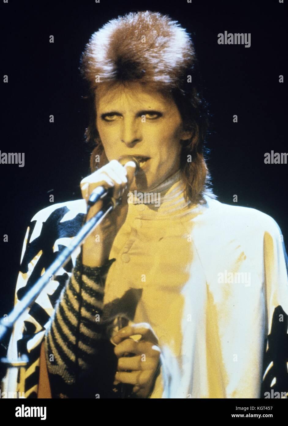 David Bowie Ziggy Stardust Stock Photos & David Bowie Ziggy Stardust ...
