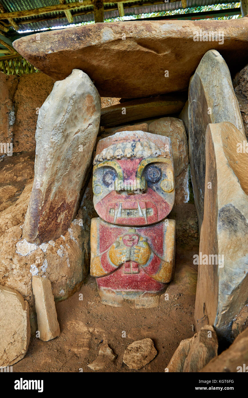 El Purutal, painted stone carved figure of an unknown pre-colombian culture near San Agustin, Colombia, South America - Stock Image