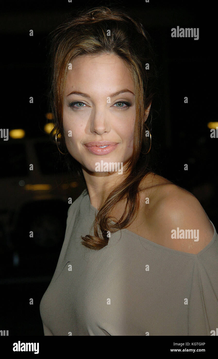 Angelina Jolie arriving at the Taking Lives Premiere at the Chinese Theatre in Los Angeles. March 16, 2004. Angelina - Stock Image