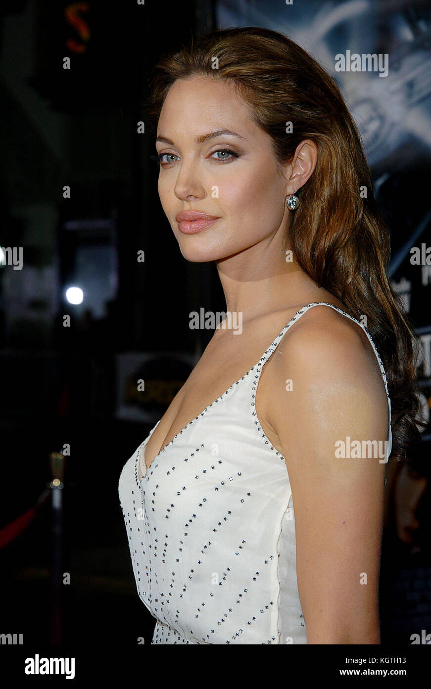 Angelina Jolie arriving at the Sky Captain and the World of Tomorrow Premiere at the Chinese Theatre in Los Angeles. - Stock Image