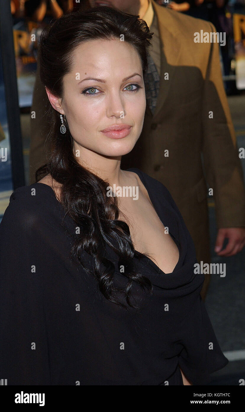 Angelina Jolie arriving at the ' Lara Croft Tomb Raider II, The Cradle of Life Premiere ' at the Chinese - Stock Image