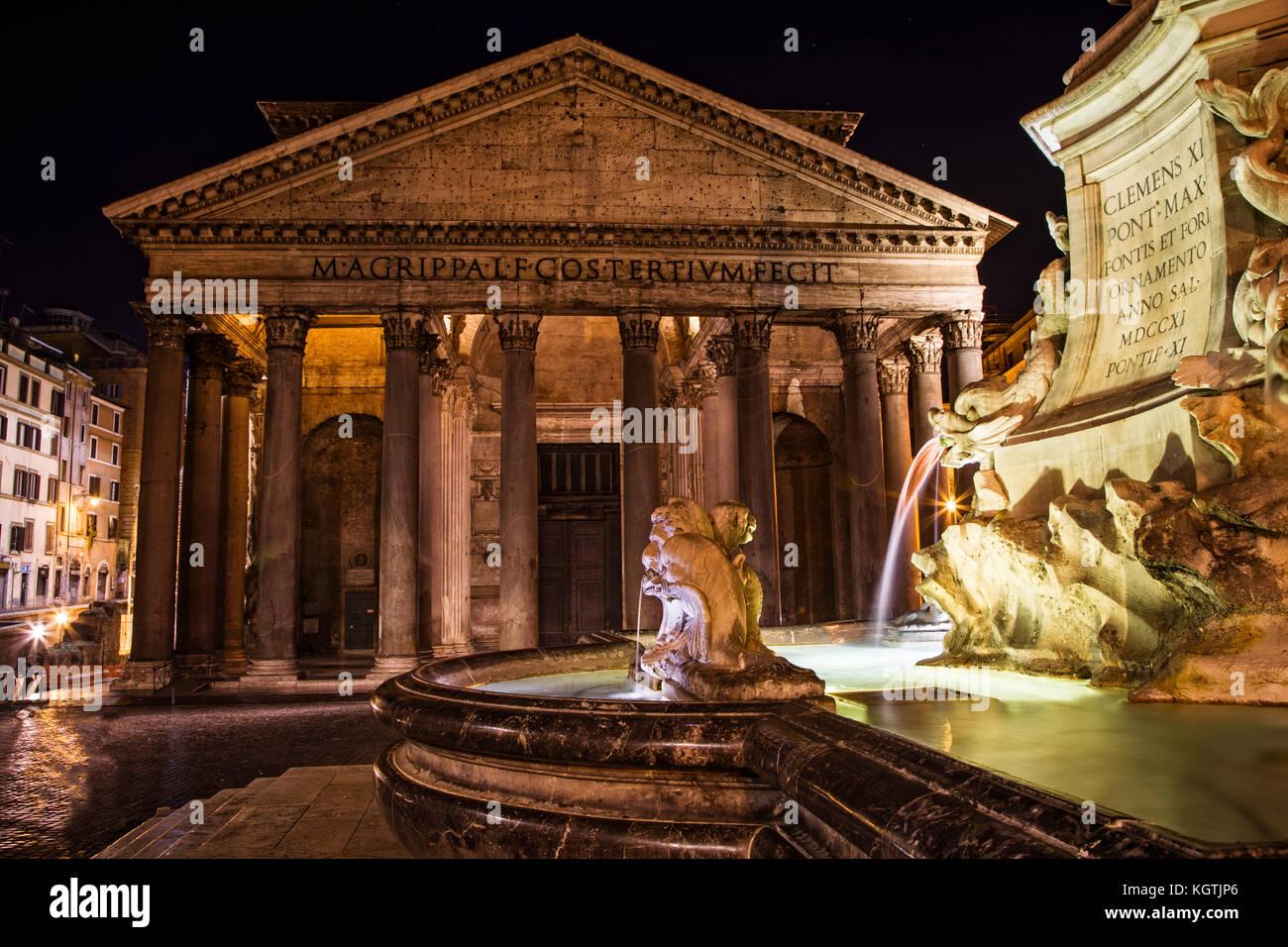 The Pantheon and Piazza della Rontonda, Rome, Italy. - Stock Image