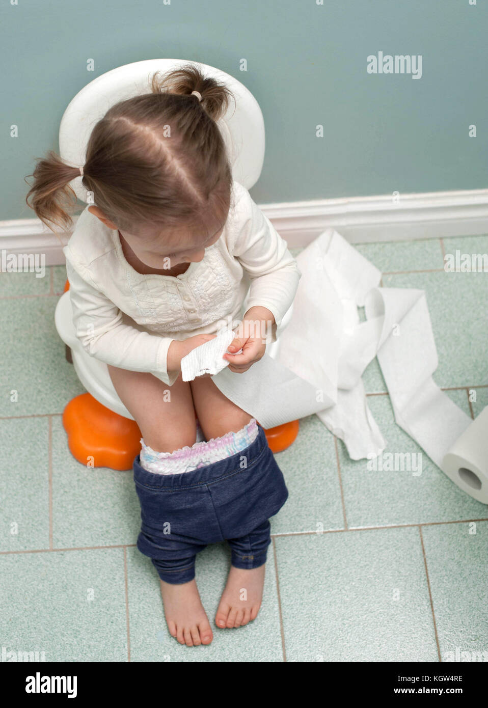 23 Tips for Potty Training Your Toddler BEFORE 2 Years Old