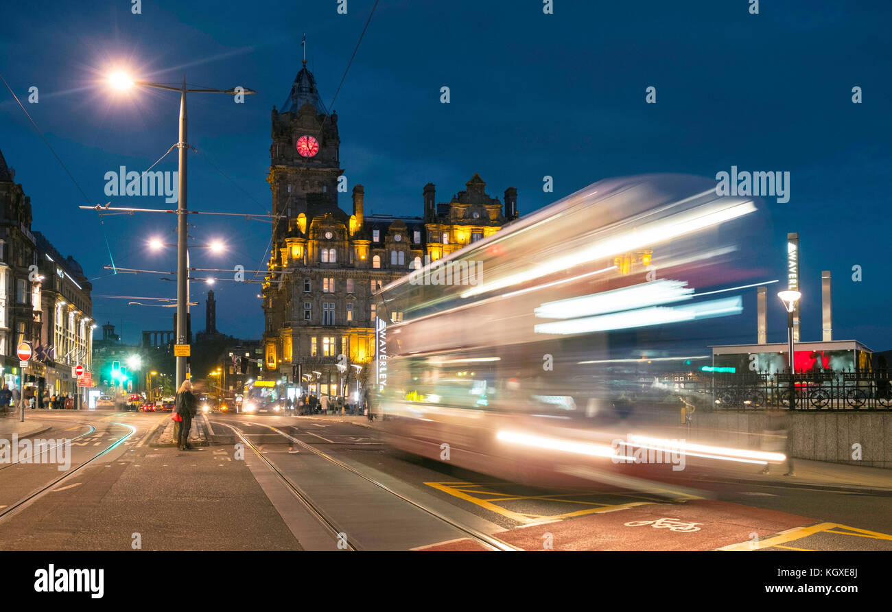 Night view of Princes Street in Edinburgh with traffic on long exposure in Scotland, United Kingdom. - Stock Image