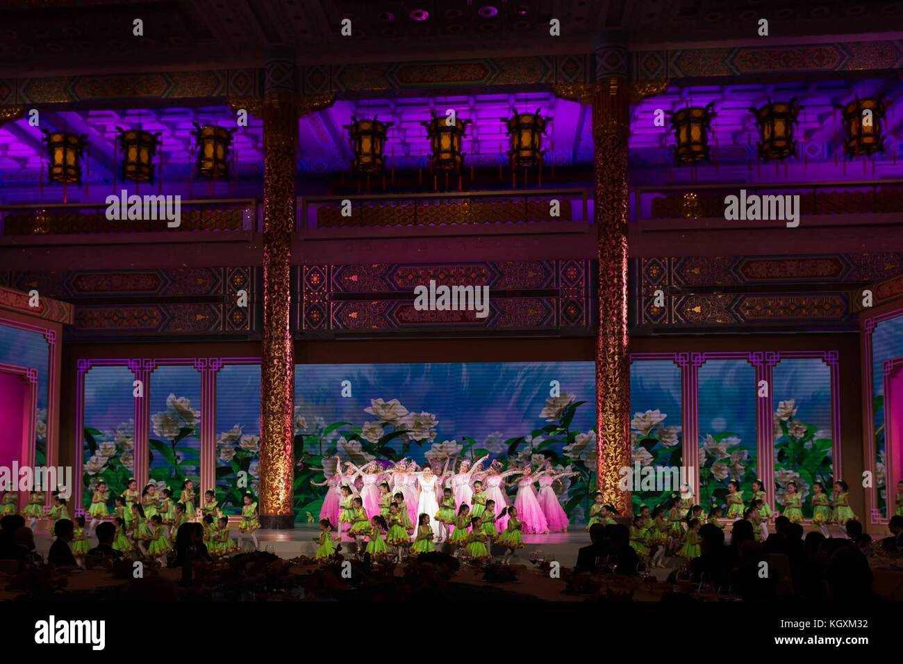 Chinese traditional performers during the entertainment portion of the state dinner for U.S President Donald Trump - Stock Image