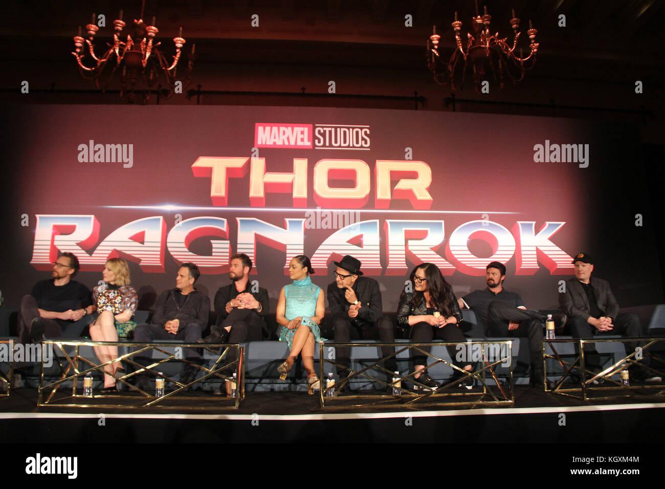 Taika Waititi, Tom Hiddleston, Cate Blanchett, Mark Ruffalo, Chris Hemsworth, Tessa Thompson, Jeff Goldblum, Rachel - Stock Image