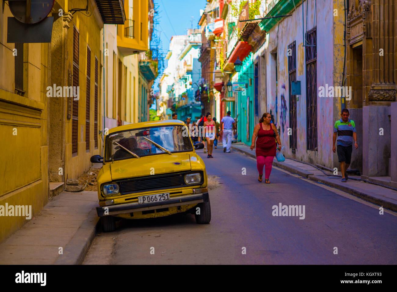 Old car in the shabby street of havana cuba - Stock Image