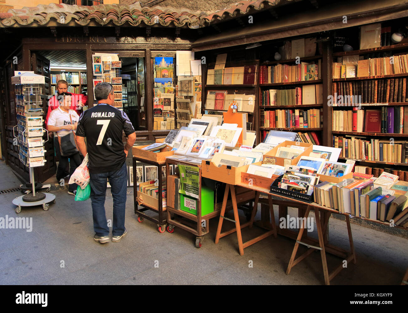 newsagents book stall liability - HD 1300×999