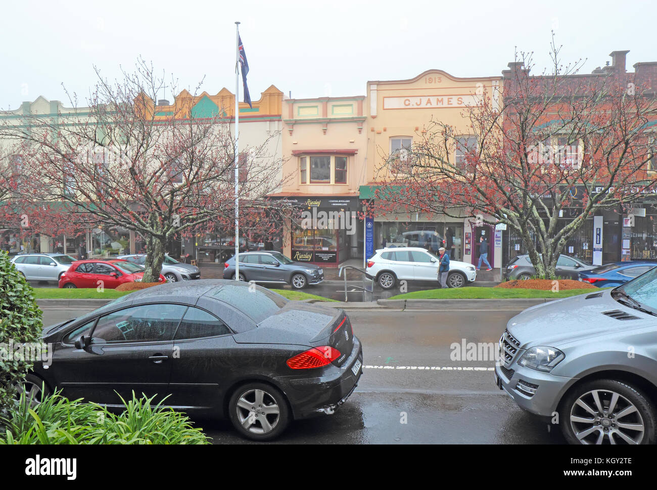 LEURA, AUSTRALIA - SEPTEMBER 25 2015: Shops and pedestrians along Leura Mall, the main thoroughfare through Leura, Stock Photo