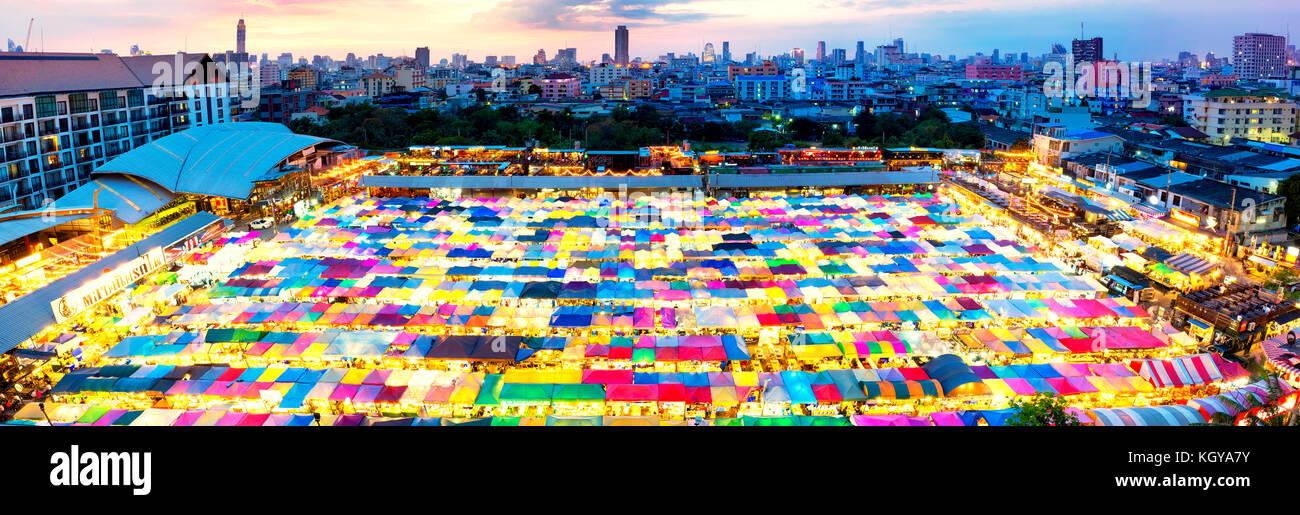 The New Rot Fai Train Market Ratchada, Bangkok, Thailand - Stock Image