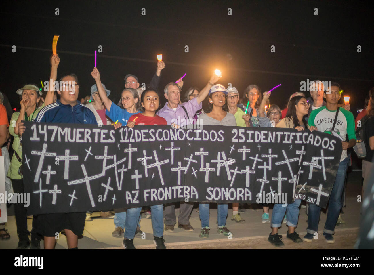 Eloy, Arizona, USA. 10th Nov, 2017. A rally and vigil at the Eloy Immigrant Detention Center protests the detention - Stock Image