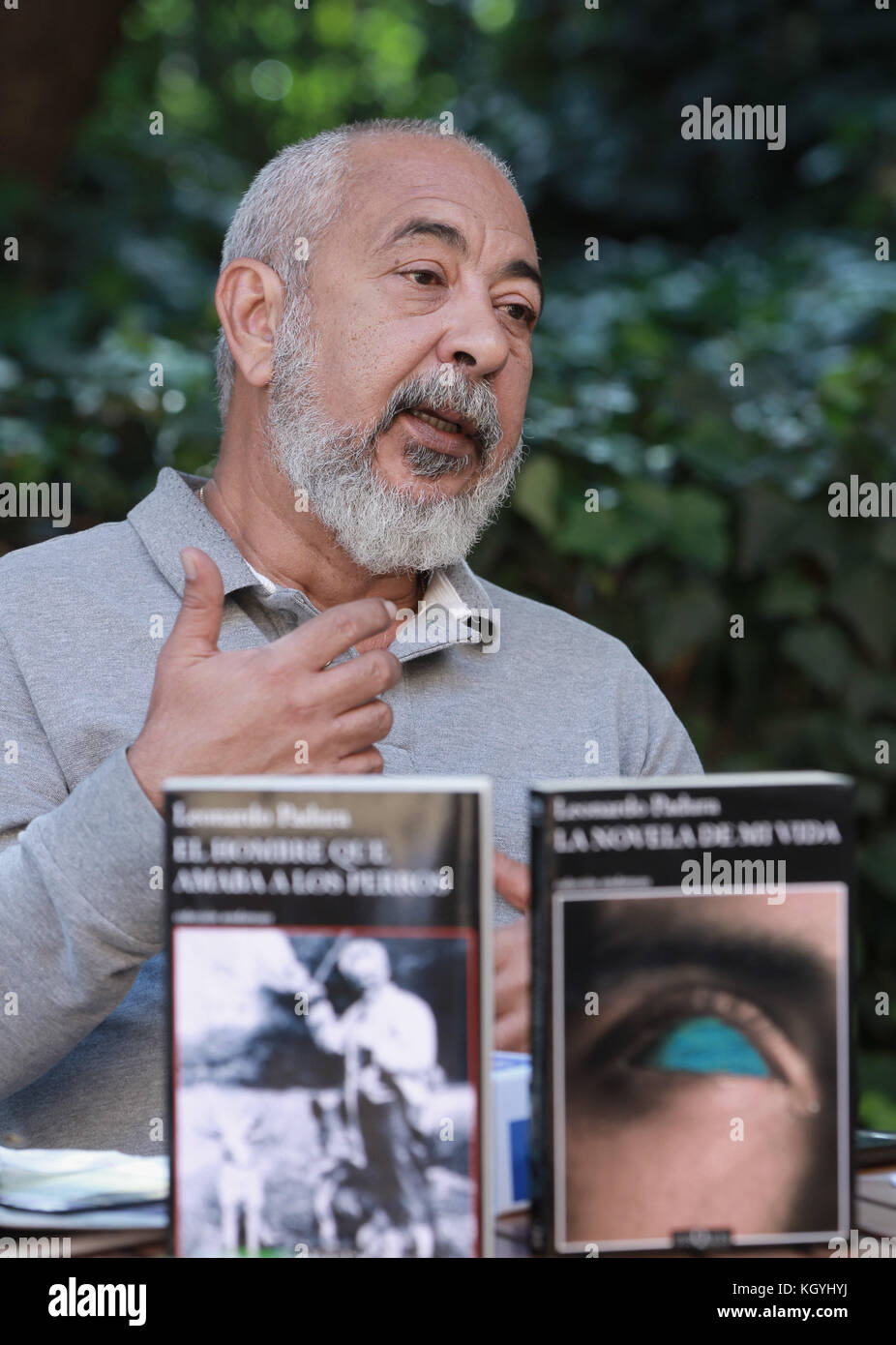 A picture available 11 November 2017 of Cuban writer Leonardo Padura while speaks in an interview, in Mexico City, - Stock Image