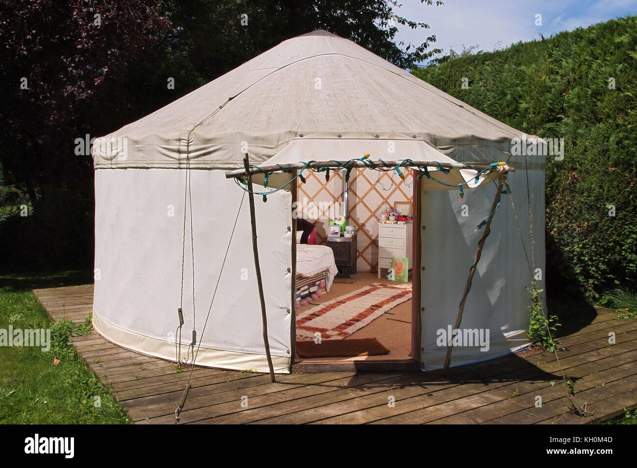 Perfect Emily Edgell With Her Garden Yurt.