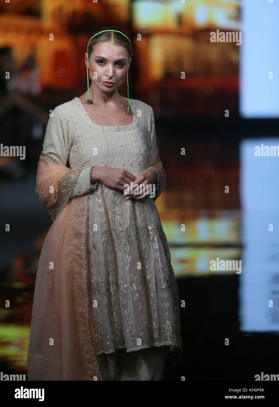 London, UK. 11th Nov, 2017. India Fashion Week, with designers from India and London showcasing and showing their Stock Photo