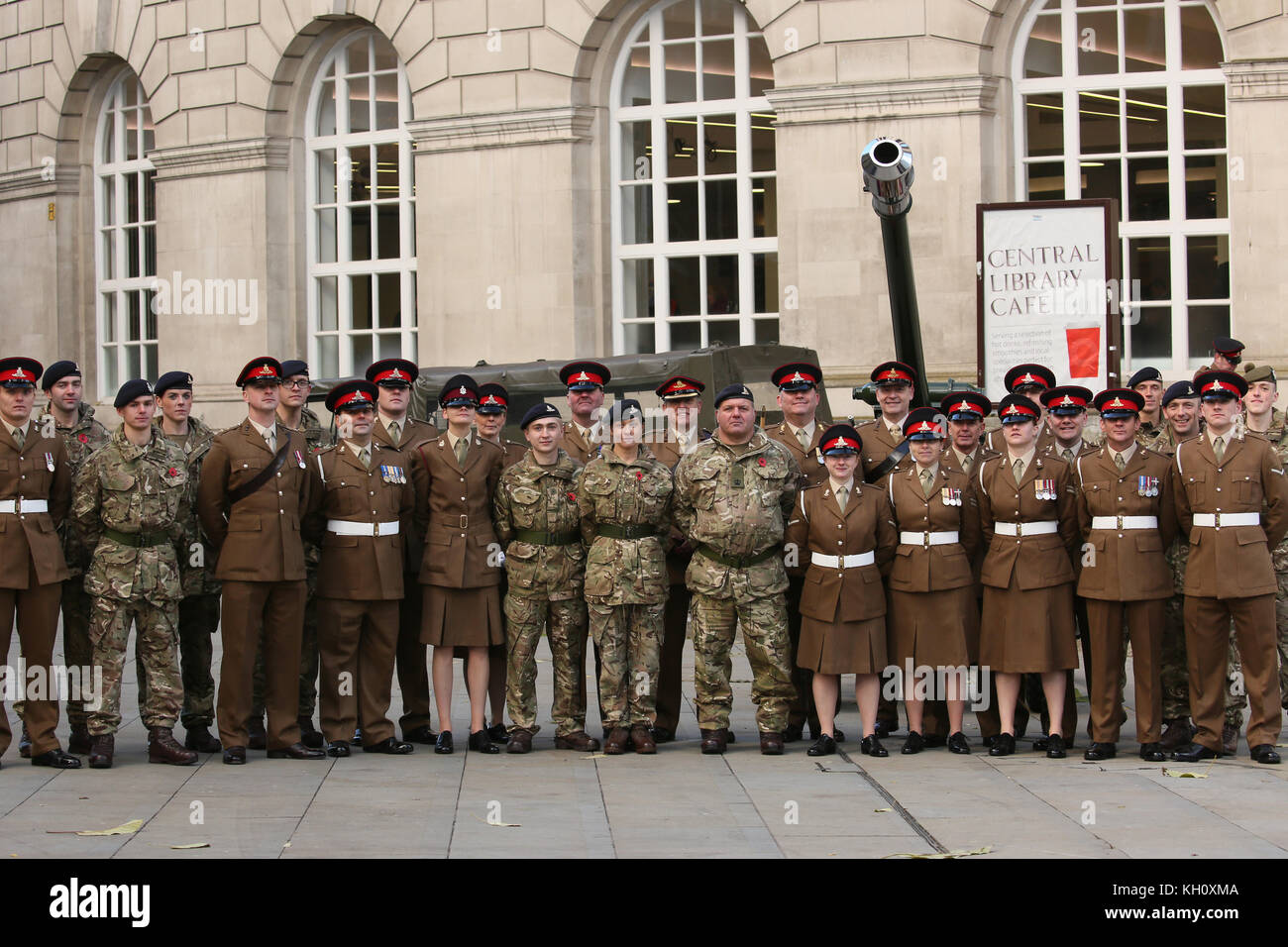 Manchester, UK. 12th Nov, 2017. Members of the Royal Artillery under the command of Major DM Braddock RA, St Peters - Stock Image