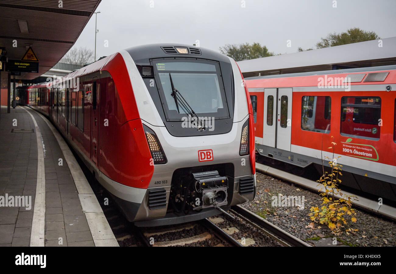 Hamburg, Germany  9th Nov, 2017  A commuter train of the new