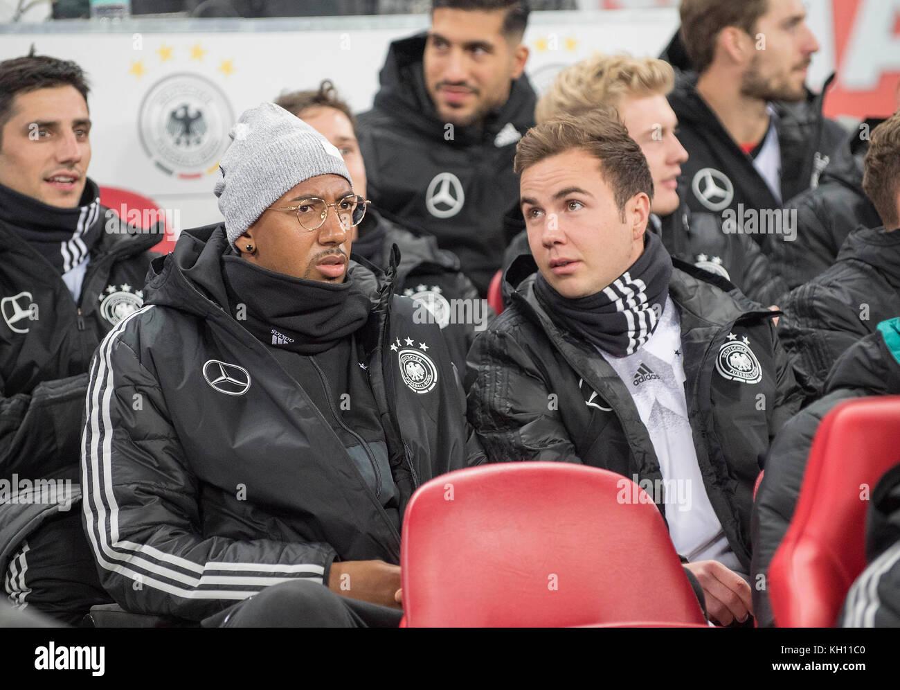 Jerome BOATENG l. (GER) with Mario GOETZE (Gotze, GER) auf der Ersatzbank Fussball Laenderspiel, Freundschaftsspiel, - Stock Image
