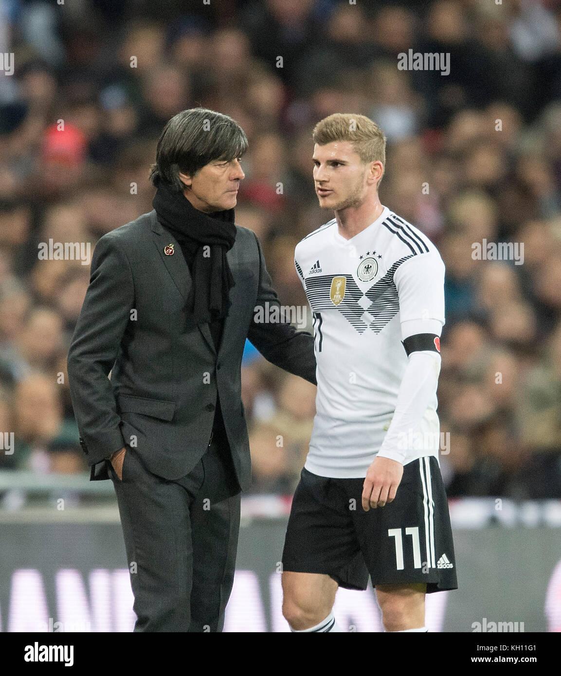 Trainer/ Bundescoach Joachim 'Jogi' LOEW (LOW) im Gespraech with Timo WERNER r. (GER) Fussball Laenderspiel, - Stock Image