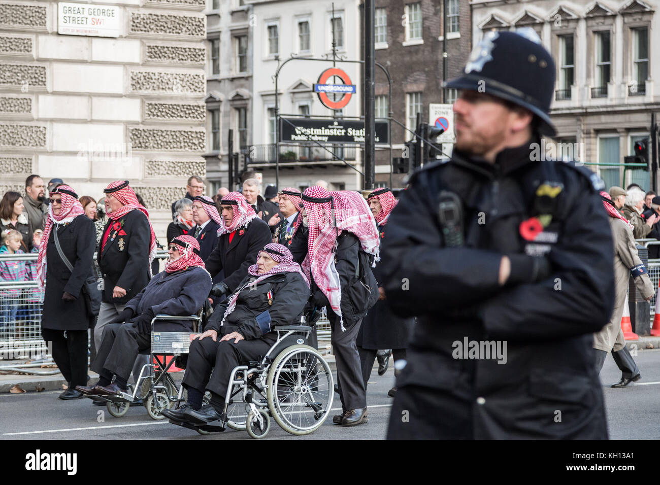 London, UK. 12th Nov, 2017. Members and veterans of the armed forces attend the annual Remembrance Sunday service - Stock Image