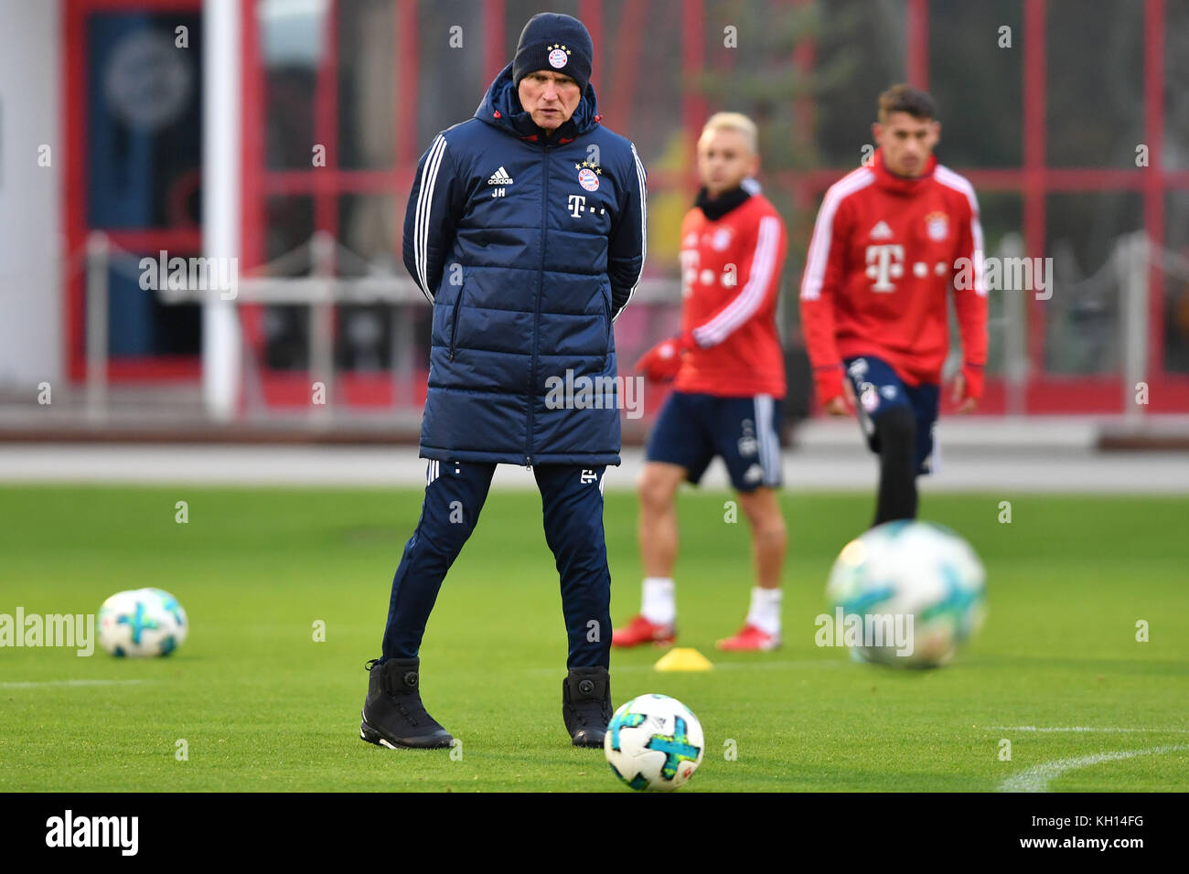 Jupp HEYNCKES (Trainer FC Bayern Munich), Einzelbild, Freisteller,Ganzkoerperaufnahme, ganze Figur.  Training FC - Stock Image