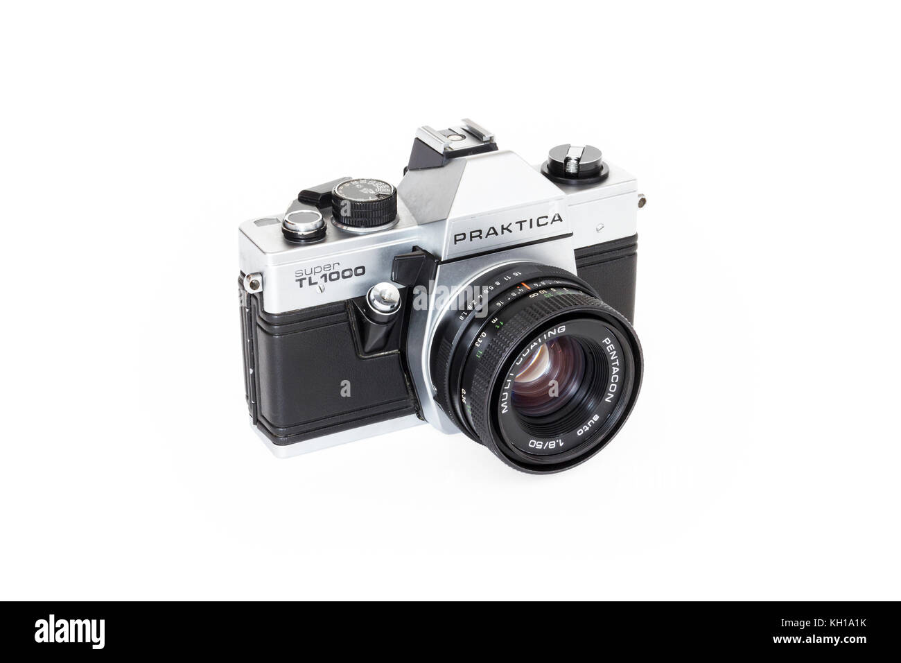 Praktica Super TL1000 35mm roll film SLR camera with 50mm Pentacon lens, 1980s, isolated against a white background - Stock Image