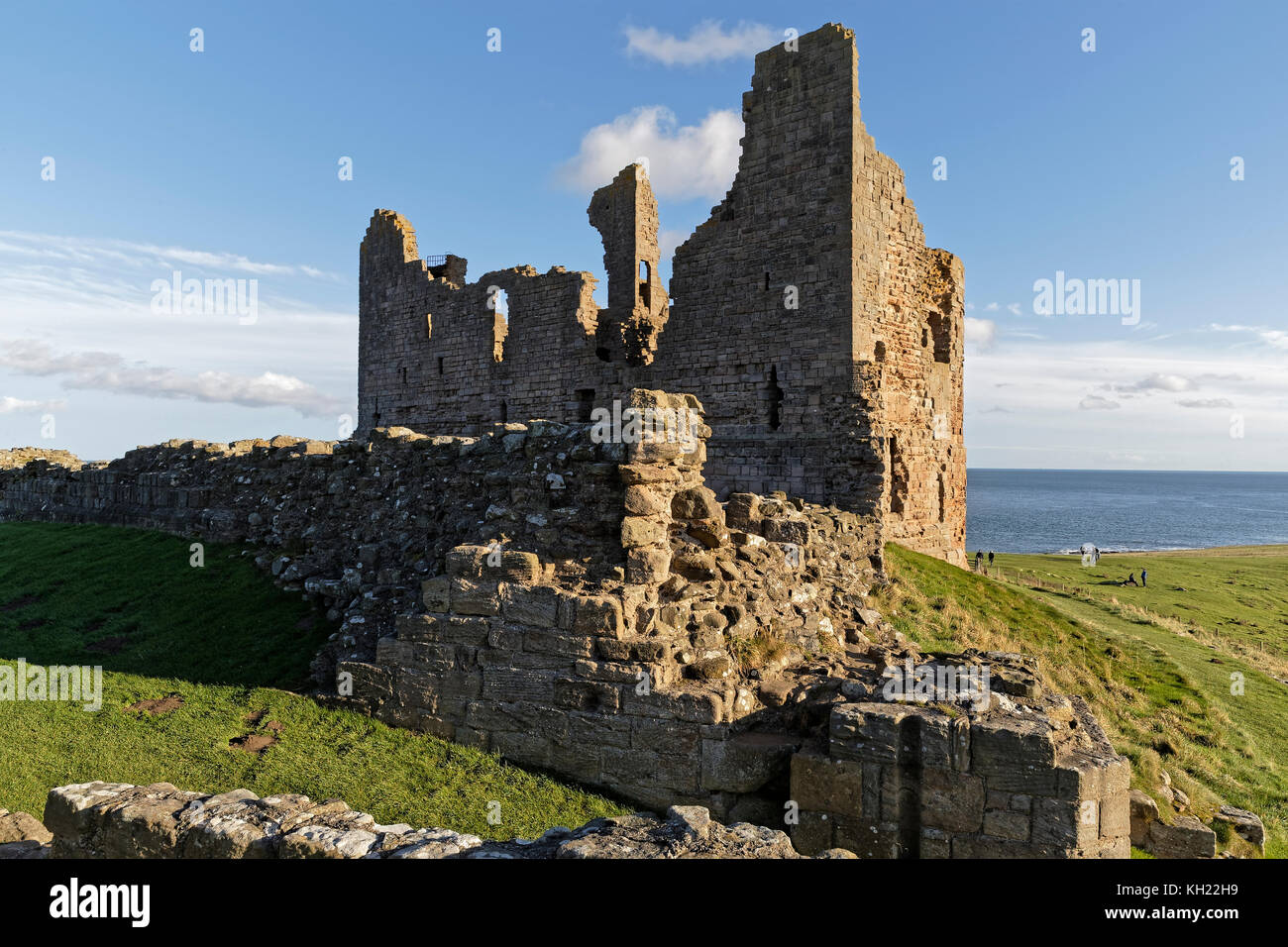 The Great Gatehouse of Dunstanburgh Castle - Stock Image