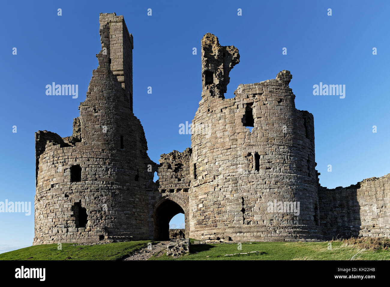 The Great Gatehouse of Dunstanburgh Tower - Stock Image