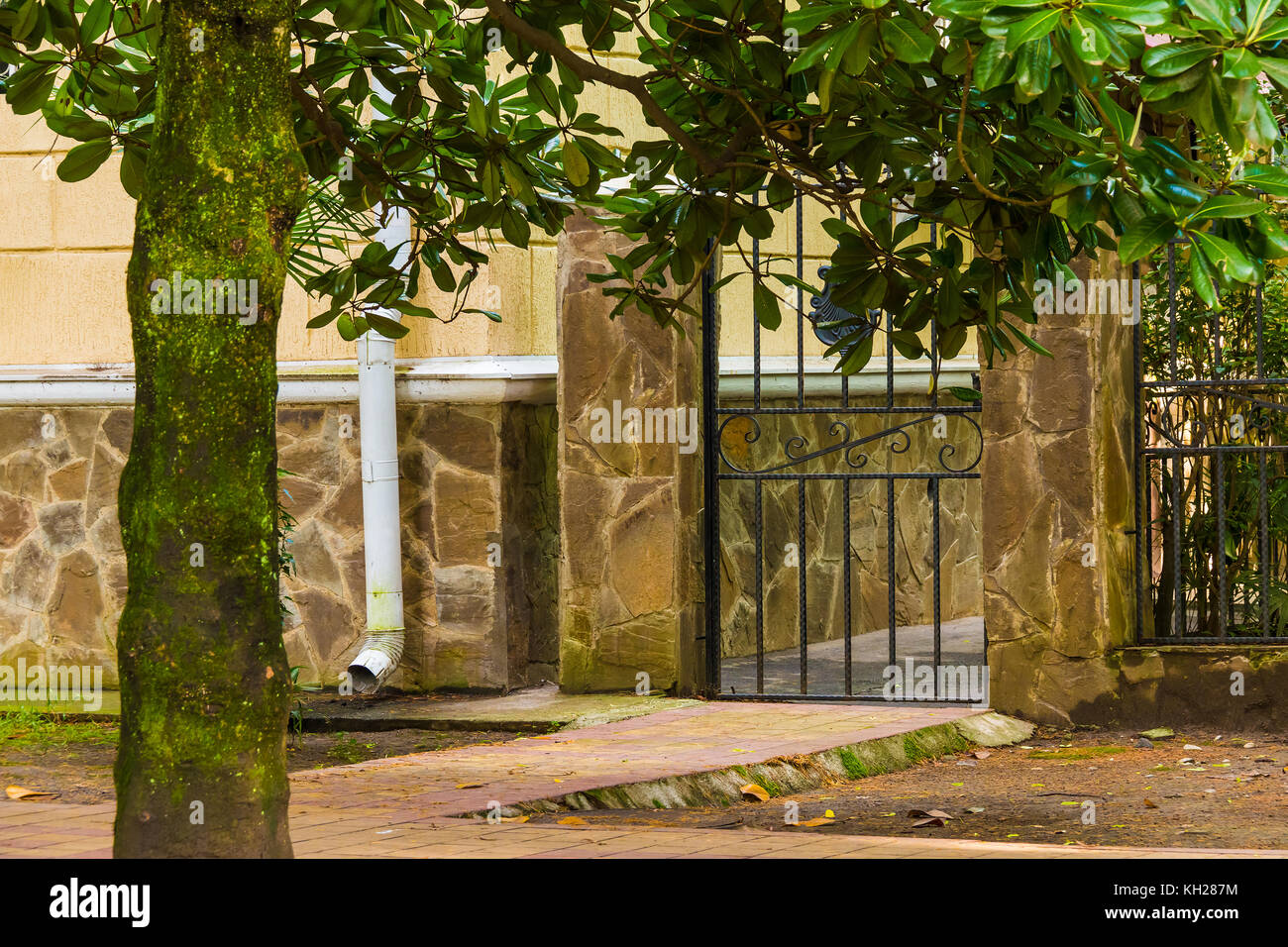 Magnolia Building Stock Photos & Magnolia Building Stock Images - Alamy