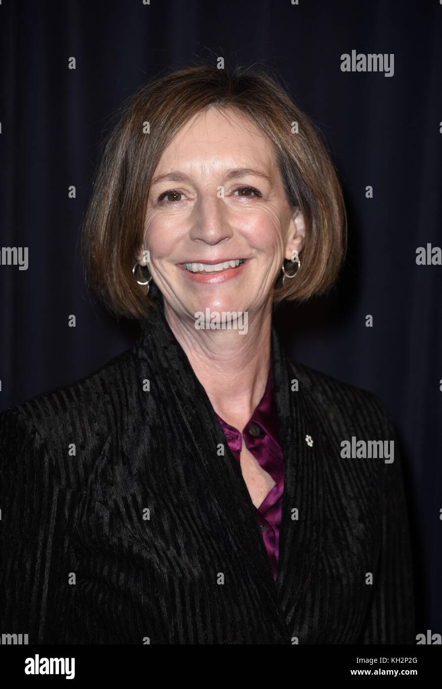 New York, NY, USA. 12th Nov, 2017. Susan Coyne at arrivals for THE MAN WHO INVENTED CHRISTMAS Premiere, Florence - Stock Image