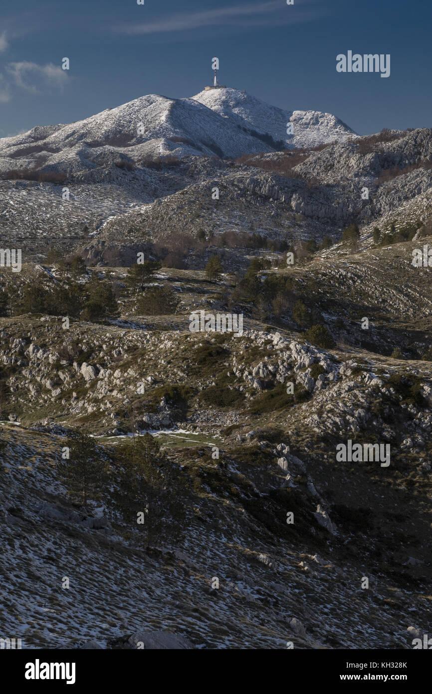 Limestone slopes of Mount Biokovo, Nature Park, looking across to the highest point, Sveti Jure, Saint George, 1762m - Stock Image