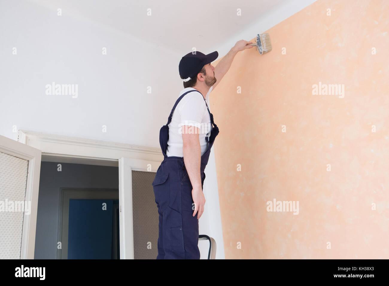 Repair Man Ladder Stock Photos Amp Repair Man Ladder Stock