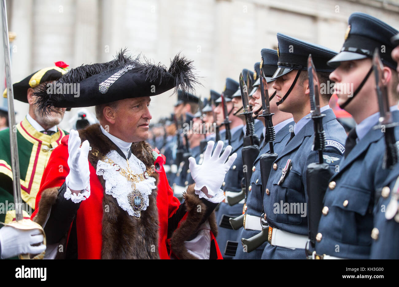 The new Lord Mayor, Charles Bowman, inspects the troops outside the Mansion House in his inaugural ceremony in the - Stock Image