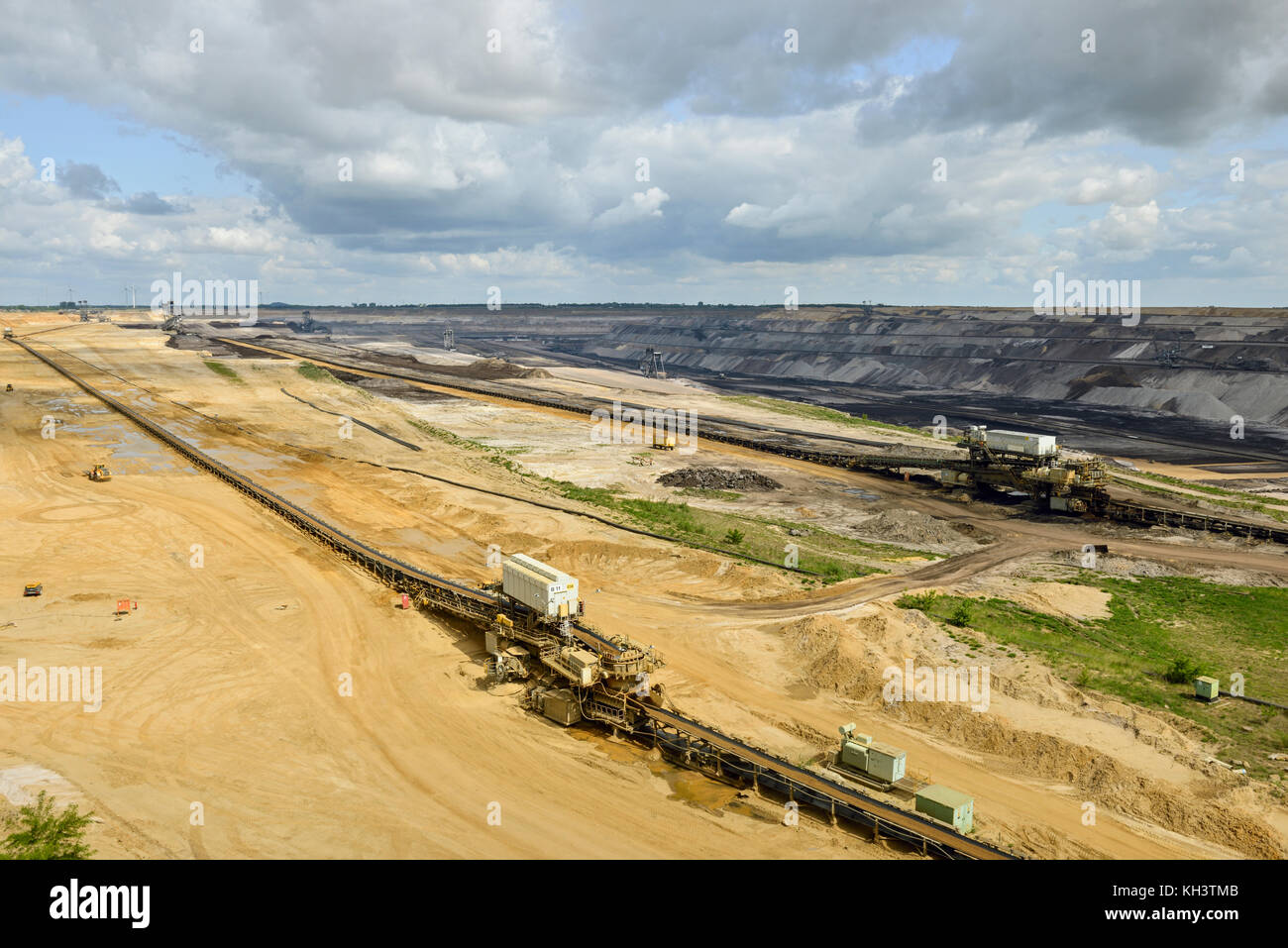 Parts of Garzweiler surface mine, RWE Power, shot from observation deck Jackerath viewpoint, view into the opencast - Stock Image