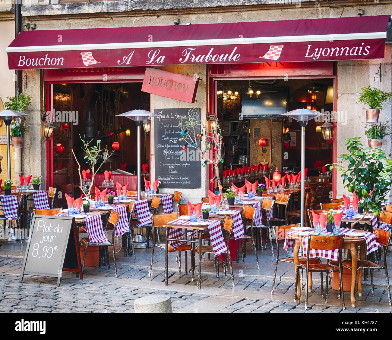 Bistro Open For Lunch, Lyon, France - Stock Image