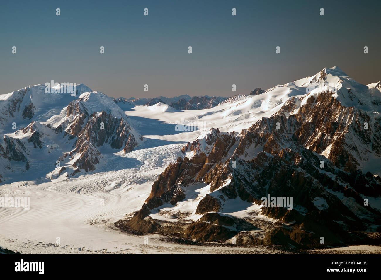 Capps Glacier in the Tordrillos Mountains. The Tordrillo Mountains are a small mountain range in the Matanuska-Susitna - Stock Image