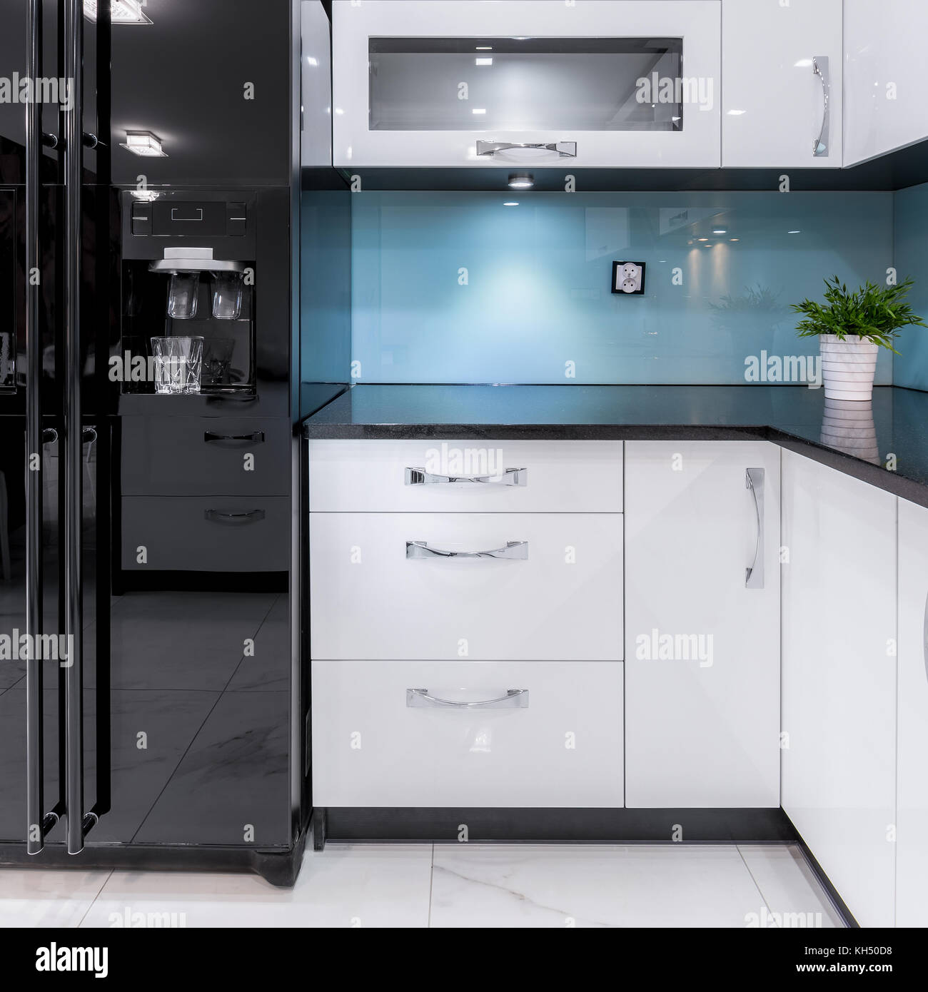 Beautifully Designed Kitchen Interior With Minimalist Color