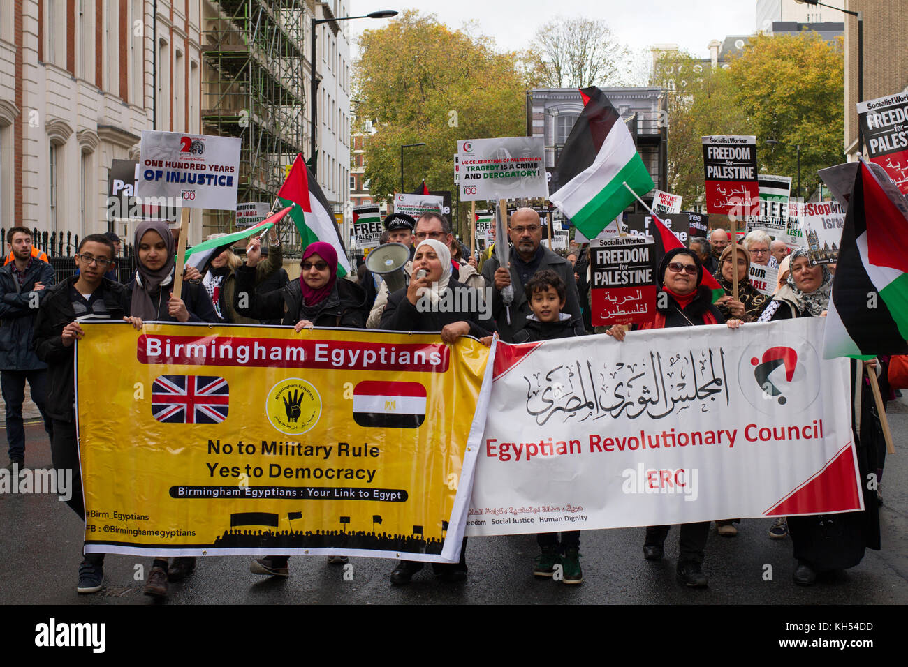 Pro-rights for Egypt protestors join the march for Palestine on the centenary of the Balfour Declaration, London - Stock Image