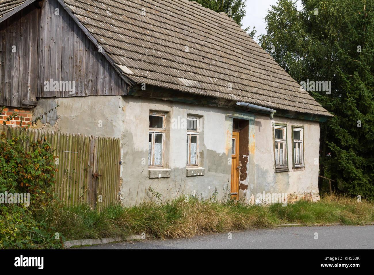 Kleines Haus Stock Photos & Kleines Haus Stock Images - Alamy