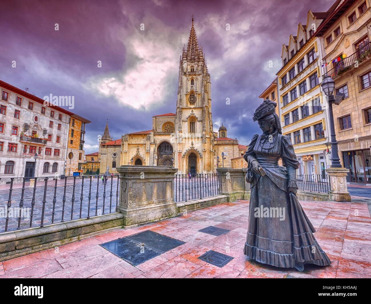 Cathedral of San Salvador and statue of La Regenta. Oviedo, Asturias, Spain.
