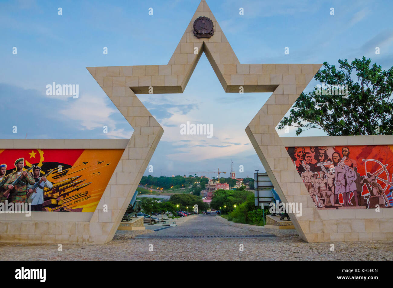 LUANDA, ANGOLA - APRIL 28 2014: Civil war memorial depicting Angolan flag and soldiers at Fortaleza de Sao Miguel - Stock Image