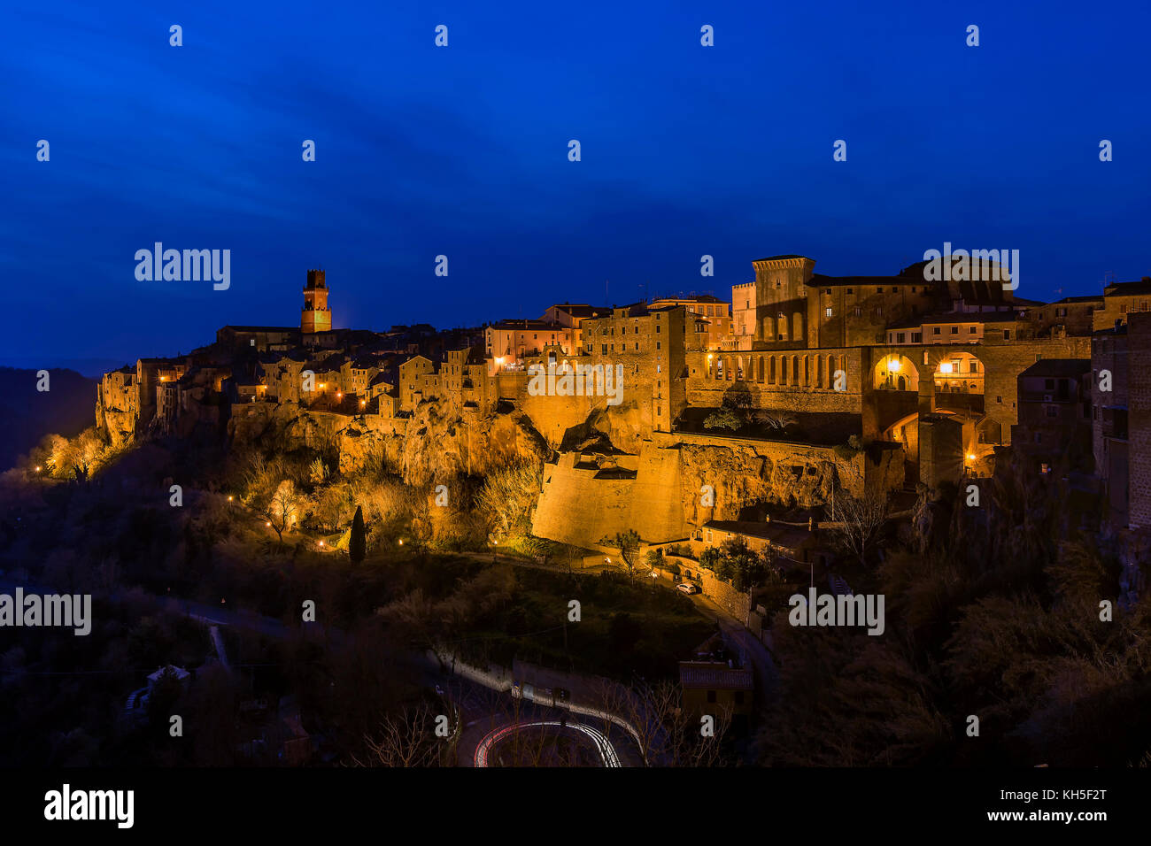 Blue hour in Pitigliano, Tuscany, Italy - Stock Image