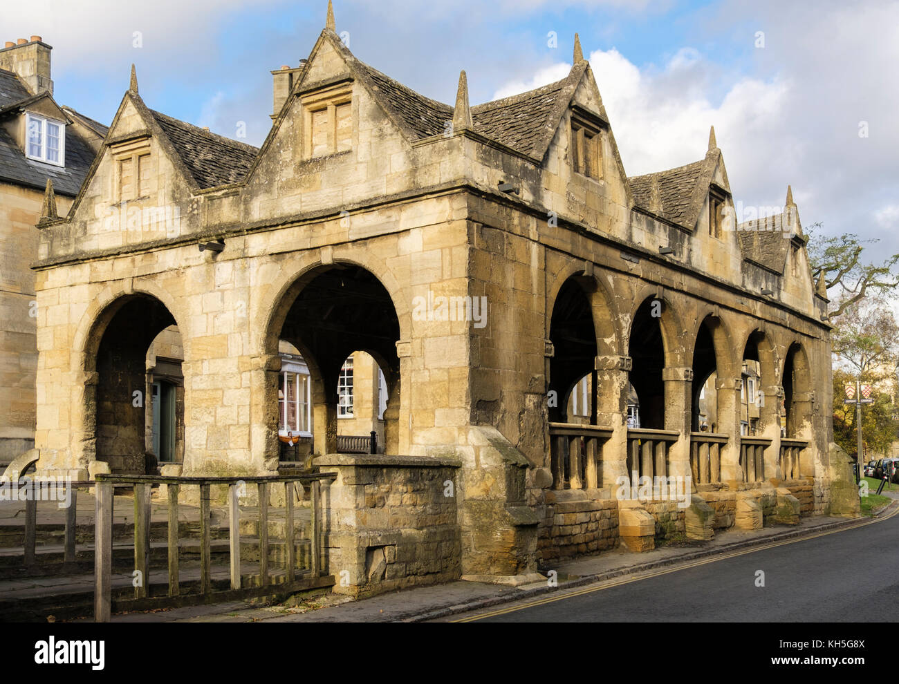 The old 17th century Market Hall in historic Cotswold stone village. High Street, Chipping Campden, Cotswolds, Gloucestershire, - Stock Image