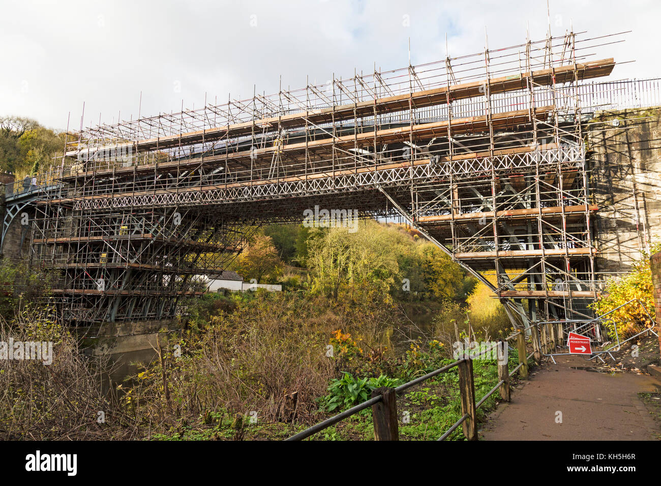 The famous Iron Bridge in the town of Ironbridge in Shropshire, England, covered in scaffolding as part of a £1.2m - Stock Image