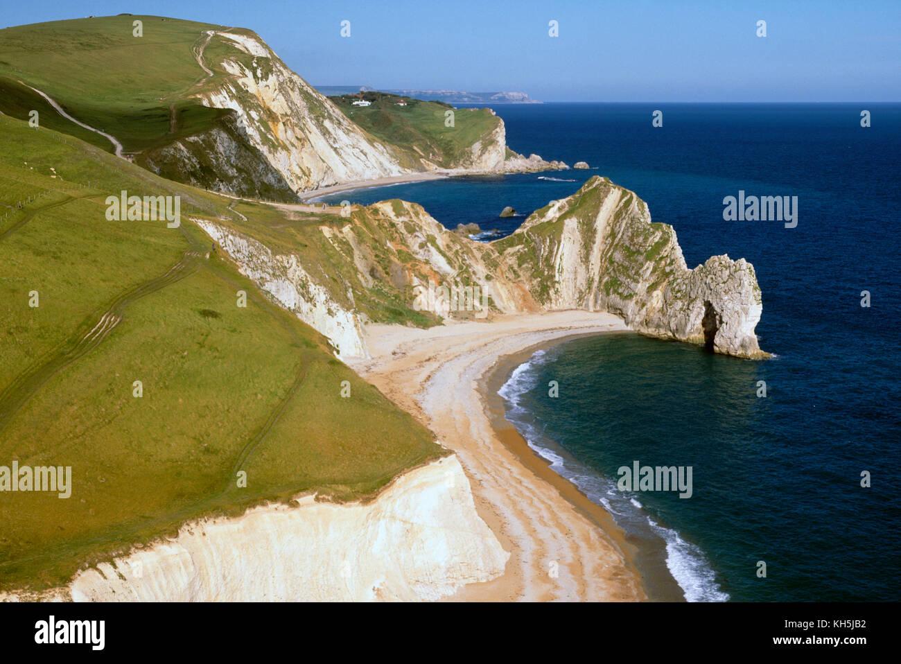 Durdle Door and the Man o' War Bay on the Jurassic Coast, Dorset, England, UK. - Stock Image