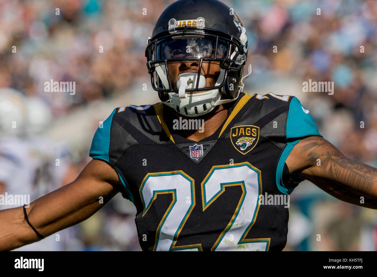 Jacksonville, FL, USA. 12th Nov, 2017. Jacksonville Jaguars cornerback Aaron Colvin (22) celebrates during the NFL - Stock Image