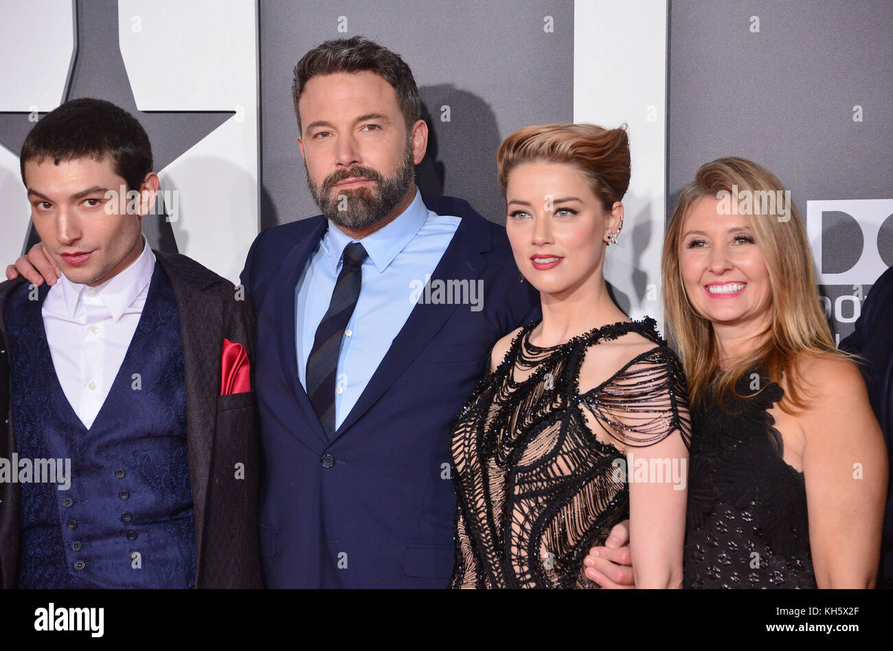 Los Angeles, USA. 13th Nov, 2017. Ezra Miller, Ben Affleck, Amber Heard attend the premiere of Warner Bros. Pictures' - Stock Image