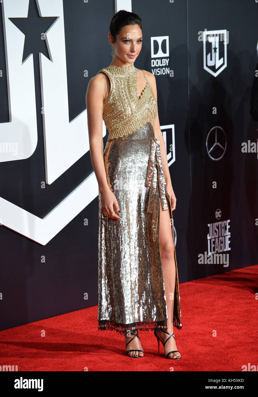 Los Angeles, USA. 13th Nov, 2017. Gal Gadot at the world premiere for 'Justice League' at The Dolby Theatre, - Stock Image
