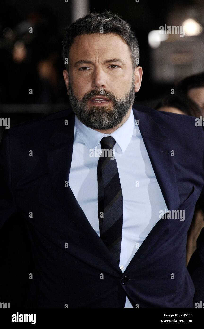Los Angeles, CA, USA. 13th Nov, 2017. Ben Affleck at arrivals for JUSTICE LEAGUE Premiere, The Dolby Theatre at - Stock Image